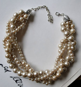 ALWAYS A CLASSIC: PEARLS!
